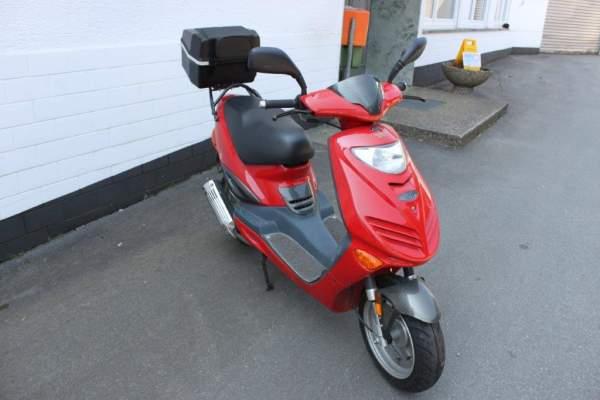 Adly AT 125 G rot mit Topcase 125 ccm Gebraucht