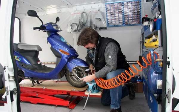 Roller Mobil Service Wartung, Inspektion, Reparatur 50ccm 4Takt